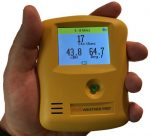 INO Weather Pro weather station hand 2